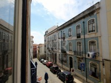 3 BEDROOM APARTMENT TO REHABILITATE WITH A TERRACE IN SÃO VICENTE, LISBON%6/6