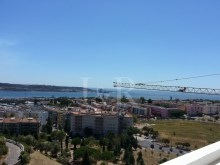 1 BEDROOM APARTMENT WITH GREAT TAGUS VIEW IN RESTELO, LISBON%3/5