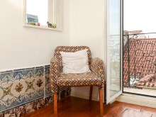 1 BEDROOM APARTMENT, WELL LOCATED, WITH TAGUS RIVER VIEW, IN BICA, LISBON%9/10