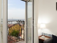 1 BEDROOM APARTMENT, WELL LOCATED, WITH TAGUS RIVER VIEW, IN BICA, LISBON%1/10