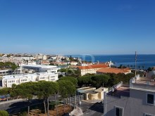 APARTAMENTO T2 DUPLEX COM TERRAÇO E VISTA MAR NO ESTORIL%7/7