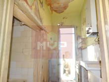 Housing for refurbishment at the Centre of Olhao-kitchen%7/19