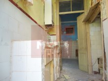 Housing for refurbishment at the Centre of Olhao-kitchen %11/19