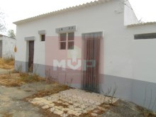 Typical Algarve Villa in Quelfes-exterior%6/13
