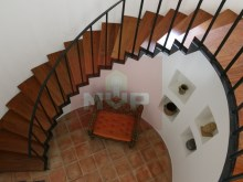 Detached house with swimming pool in Quelfes-stairs access%7/12