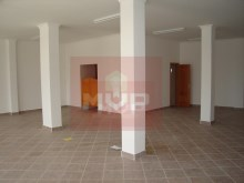 Shop with 120 m2 in Quelfes%2/4