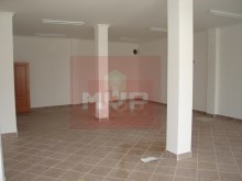 Shop with 120 m2 in Quelfes%3/4