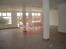 Shop with 120 m2 in Quelfes%1/4