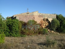 Land with ruin in Estoi%1/10