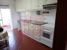 3 bedroom apartment in São Brás de Alportel-kitchen%1/14