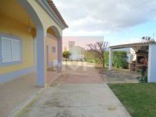 House 4 bedrooms detached villa with garage, land and sea, in Moncarapacho-exterior%1/32