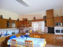 House 4 bedrooms detached villa with garage, land and sea, in Moncarapacho-kitchen%6/32