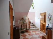 House 4 bedrooms detached villa with garage, land and sea, in Moncarapacho-hall%7/32