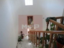 House 4 bedrooms detached villa with garage, land and sea, in Moncarapacho-stairs access%12/32