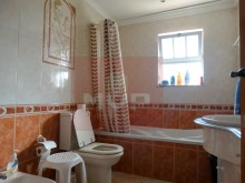 House 4 bedrooms detached villa with garage, land and sea, in Moncarapacho-Wc3%18/33