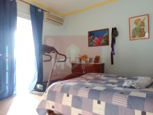 House 4 bedrooms detached villa with garage, land and sea, in Moncarapacho-Room 3%18/32