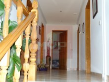 House 4 bedrooms detached villa with garage, land and sea, in Moncarapacho-1 St floor%32/33