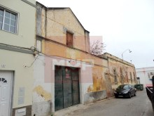 House to retrieve in the Centre of Olhao-view of side street%3/28