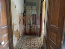 House to retrieve in the Centre of Olhao-House entrance 1%17/28