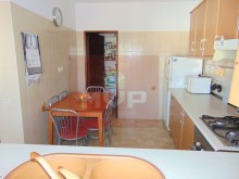 2 bedroom apartment in Pechão-kitchen with pantry%5/14