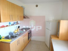 2 bedroom apartment-kitchen%4/6