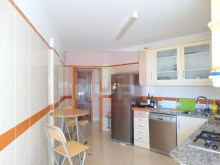 3 bedroom apartment with garage and sea view in Olhao-kitchen%13/15