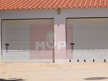 Detached house with land in Quelfes-garage%13/13