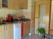 2 bedroom apartment parking lot in the Centre of Olhao-kitchen%10/17
