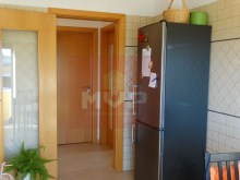 2 bedroom apartment parking lot in the Centre of Olhao-kitchen%11/17
