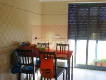 2 bedroom apartment parking lot in the Centre of Olhao-kitchen%12/17