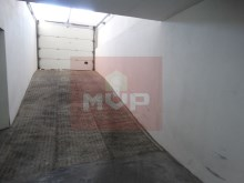 2 bedroom apartment in Olhão Centre parking-entrance cave%16/17