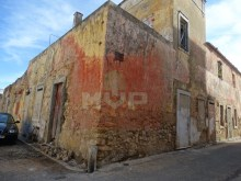 Residences in ruins in the Centre of Olhao%2/6