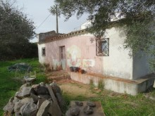 Villa with land to retrieve in Moncarapacho%1/9