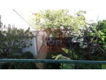 Bi-family townhouse in the Centre of Olhao-view of backyard%9/9