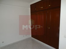 2 bedroom apartment in the Centre of Moncarapacho-room 2%7/11
