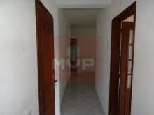 2 bedroom apartment in the Centre of Moncarapacho-Hall%8/11