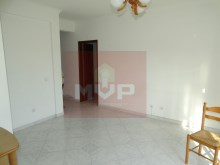 2 bedroom apartment in the Centre of Moncarapacho-room%10/11