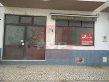 Store near the municipal swimming pools in Olhao-facade%1/6