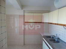 3 bedroom apartment with sea view in the Centre of Olhao-kitchen%4/15