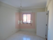 3 bedroom apartment with sea view in the Centre of Olhao-room 1%6/15