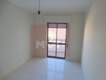 3 bedroom apartment with sea view in the Centre of Olhao-Room 3%14/15