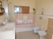 Apartment with sea view in Olhão-Wc suite%13/22