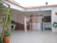 House 4 bedrooms with garage in Olhao-backyard%1/18