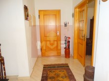 2 bedroom apartment with parking in Olhao-hall entrance%2/10