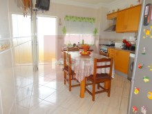 2 bedroom apartment with parking in Olhao-kitchen%5/10