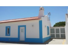 Charming cottage in Atouguia da Baleia%8/12