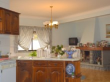 4 Bed Villa in Cadaval - open kitchen.JPG%4/10