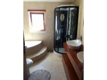 Villa in Foz do Arelho - suite bathroom%12/18