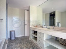 Master bathroom%24/30