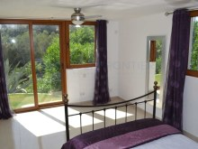 Fourth bedroom with direct access to garden%30/32